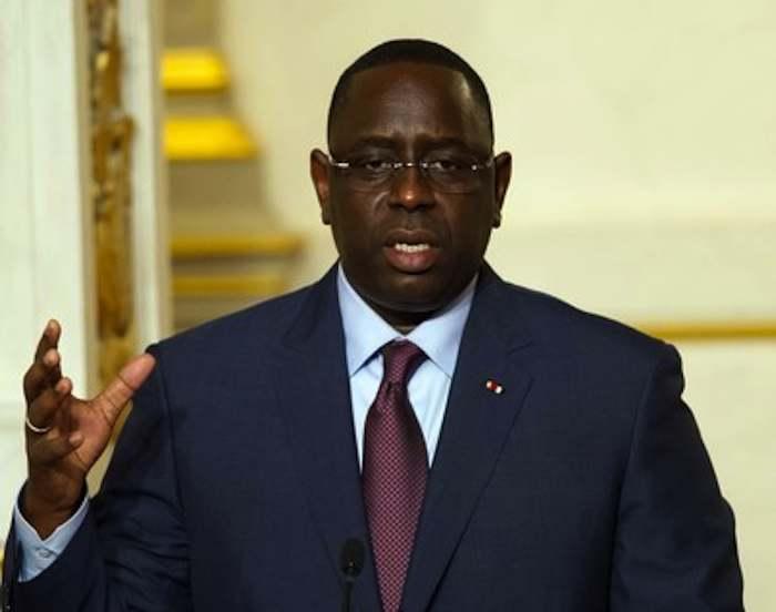 """Dernière minute Affaire """"Charlie Hebdo"""": Macky Sall accuse l'opposition et cogne"""