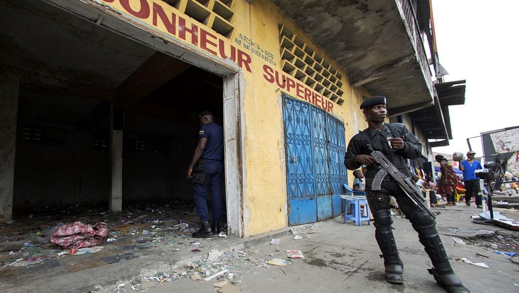 Les stigmates des violences liées au projet de loi électorale qui ont secoué la RDC cette semaine. REUTERS/Rey Byhre