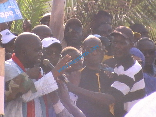 Interdiction de marche : Le Pds veut braver l'interdit et charge Macky Sall