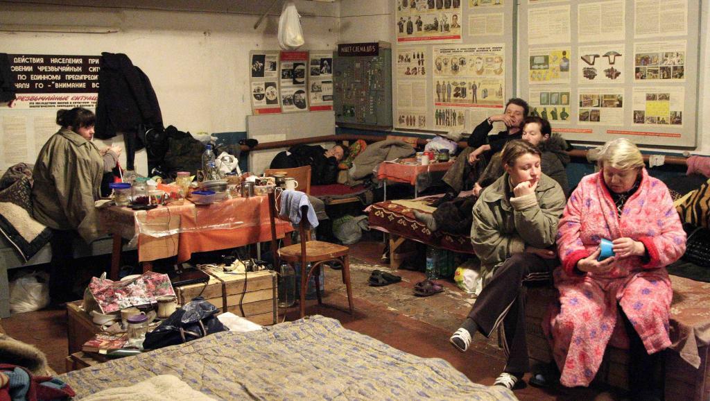 Des habitants de la région de Donetsk terrés dans un abri, le 28 janvier 2015.