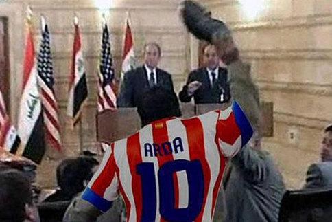 Atletico: Turan jette sa chaussure sur l'arbitre-assistant, parodié sur Twitter