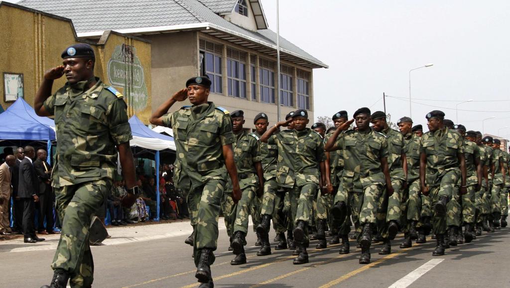 Parade de l'armée de la République démocratique du Congo pour le 54e anniversaire de l'indépendance, à Goma, le 30 juin 2014.