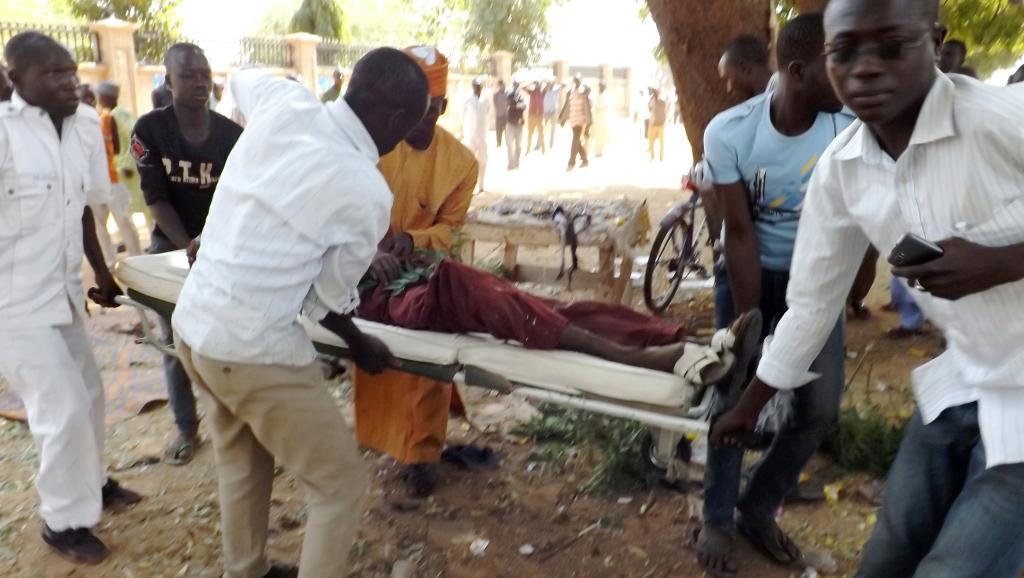 au moins sept personnes ont été tuées dimanche par un attentat-suicide visant une réunion au domicile d'un homme politique à Potiskum, le 1er février 2015. AFP PHOTO / AMINU ABUBAKAR
