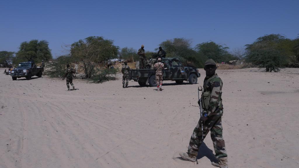 Des soldats nigériens en reconnaissance à la frontière avec le Nigeria. RFI/ Nicolas Champeaux