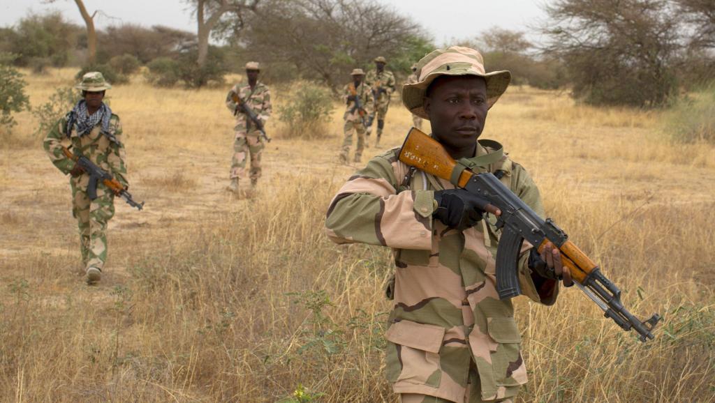 Des soldats nigérians en patrouille à Diffa, en mars 2014. REUTERS/Joe Penney/