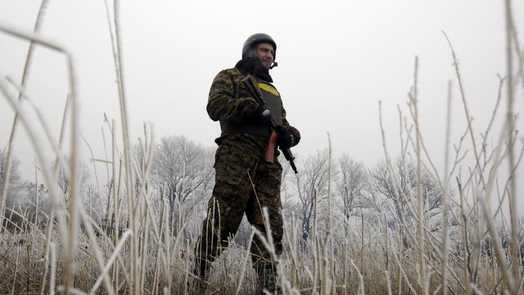 Un soldat ukrainien près de Debaltseve, le 14 février 2015. AFP PHOTO/ ANATOLII STEPANOV