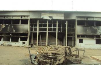 Le siège de l'Assemblée incendié lors des manifs du 30 octobre
