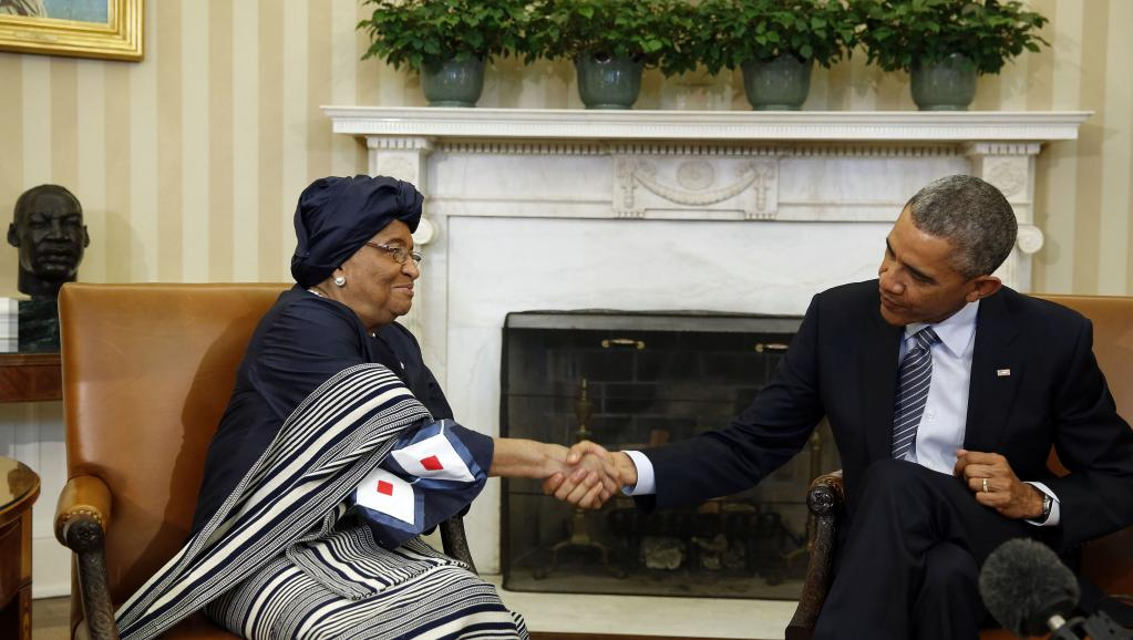 Le président américain Barack Obama et la présidente du Liberia Ellen Johnson Sirleaf, se sont rencontrés vendredi 27 février à la Maison Blanche. REUTERS/Larry Downing