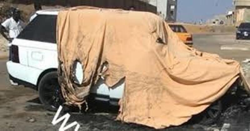 La Range Rover de Modou LO prend feu à 3 mois de son combat contre Bombardier