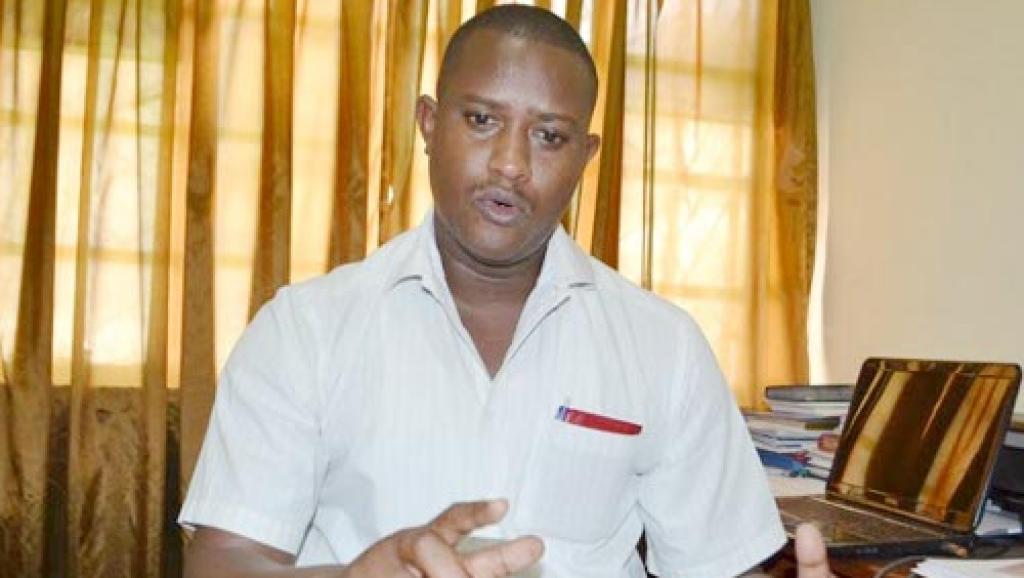 Le président de l'UBJ (Union des journalistes burundais), Alexandre Niyungeko, a salué le vote par l'Assemblée nationale d'une loi qui abroge l'essentiel des mesures liberticides à l'encontre des journalistes, le 4 mars 2015.