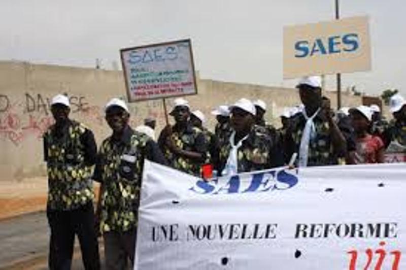 L'ultimatum du SAES au gouvernement: Si jusqu'a 8 mars...