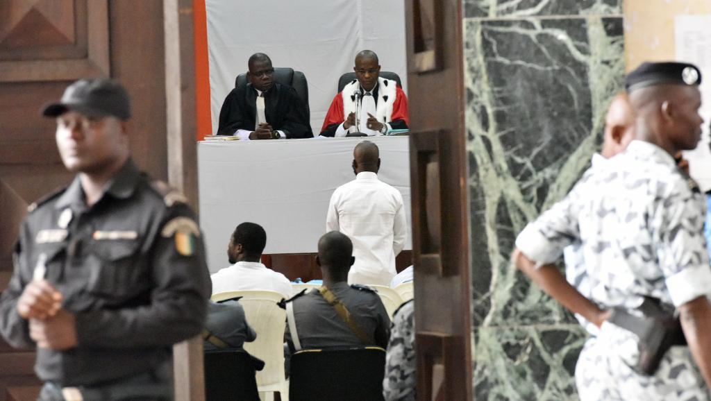 Le procès de Simone Gbagbo et de ses co-accusés touche à sa fin. L'audience a été renvoyée au 9 mars 2015. AFP PHOTO/SIA KAMBOU