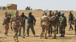 Mali: les forces militaires continuent leur mission antiterroriste