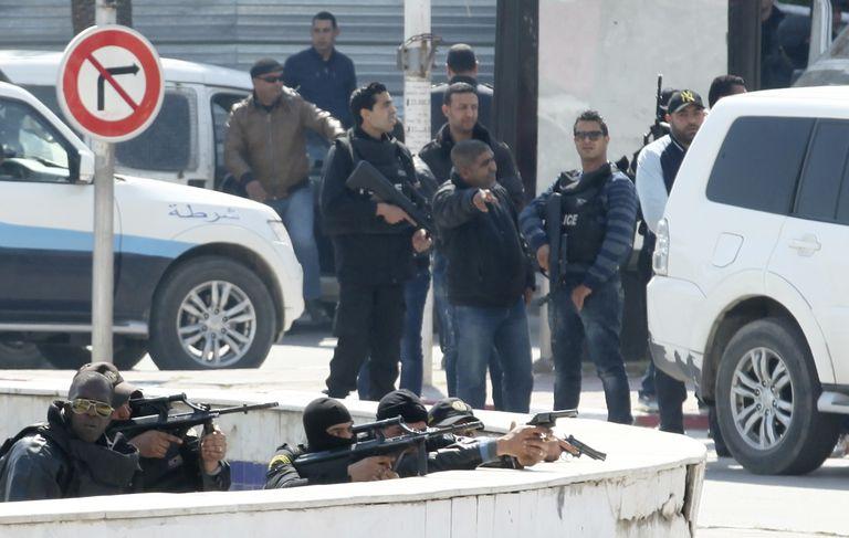 Attentat à la bombe meurtrier dans la banlieue du Caire (police)