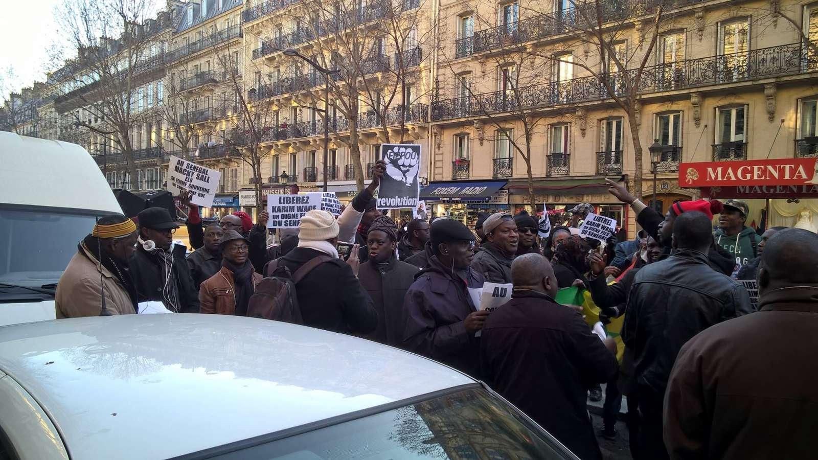 Direct verdict, les 'Karimistes' manifestent en France