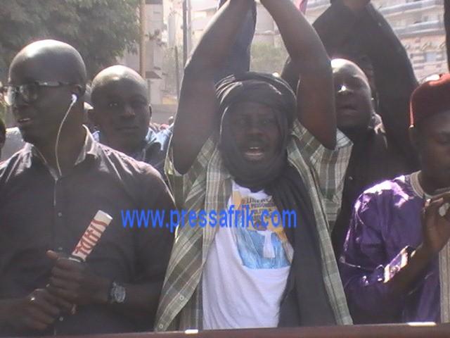 Procès Karim Wade : Après le verdict les militants du PDS en larmes
