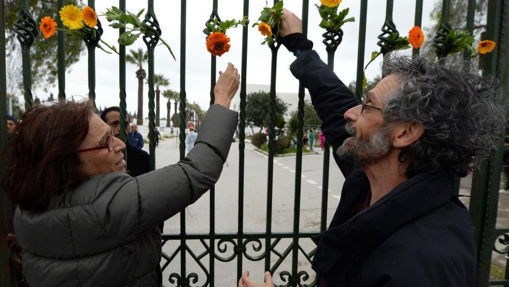 Tunisie: émotion et rassemblement devant le musée du Bardo