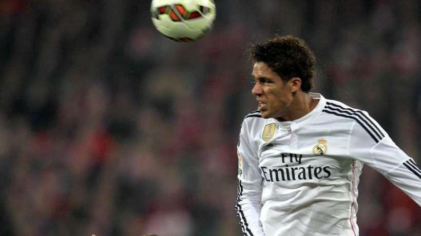 Real Madrid : une offre de 54 M€ arrive pour Varane !