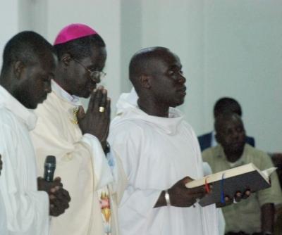 Baptême chrétien : ses principaux effets expliqués par Mgr Benjamin Ndiaye