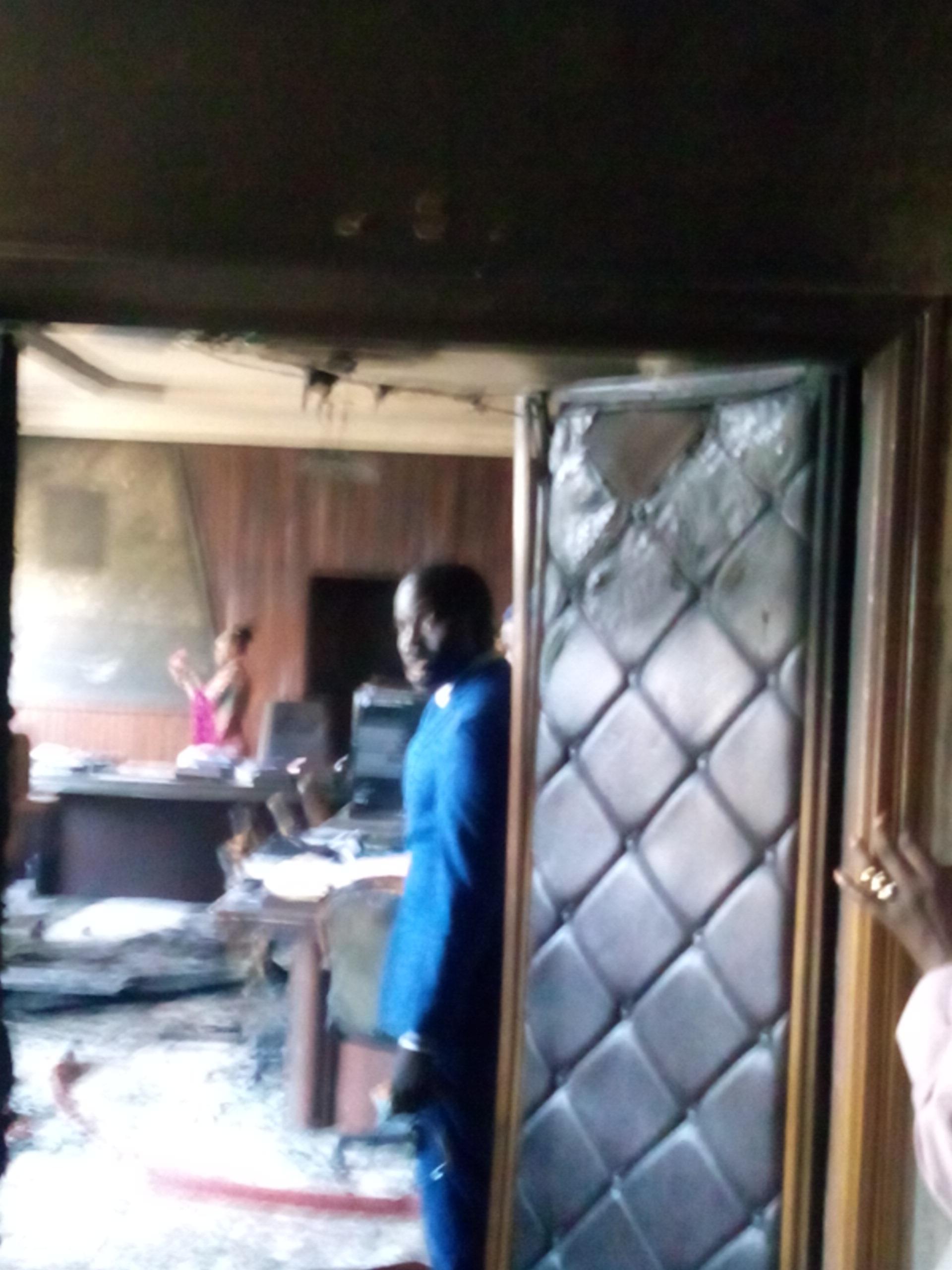 Incendie au bureau du Ministre Omar YOUM: Les sapeurs donnent les détails du sinistre
