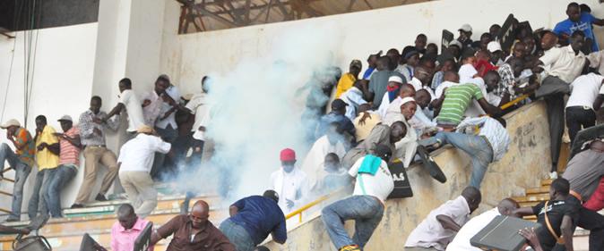 Violence dans les stades : la Ligue pro a-t-elle de la poigne ?