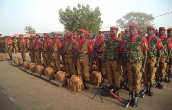 """Burkina: """"Je ne suis pas pour la dissolution du Régiment de Sécurité présidentielle"""" (PM Zida)"""