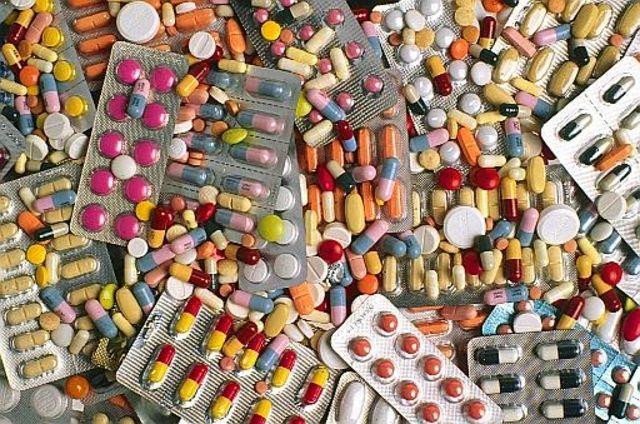 La fondation Chirac sensibilise sur le danger des faux médicaments