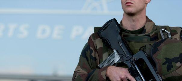 """Un projet d'attentat """"imminent"""" contre """"une ou deux églises"""" déjoué à Paris"""