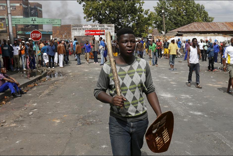 Violences xénophobes en Afrique du Sud: l'armée bientôt déployée
