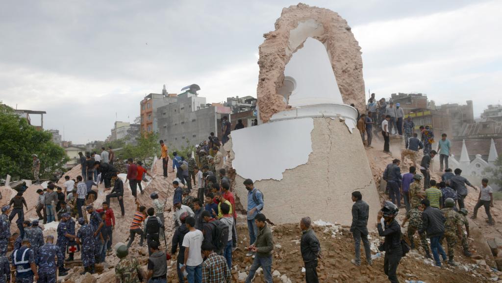 Népal: puissant et meurtrier séisme dans la chaîne himalayenne