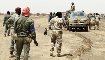 Attaque au Mali: deux militaires et un enfant tués