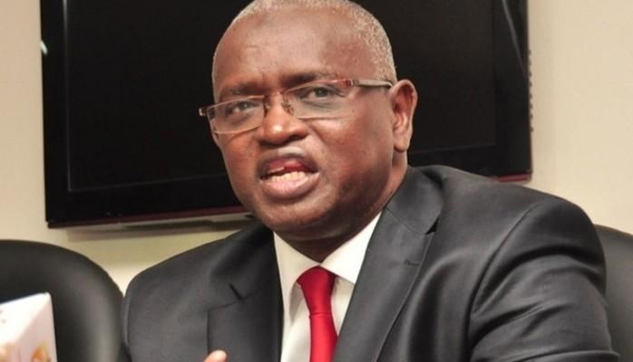 Abdou Latif Coulibaly flingue les enseignants sur les réseaux sociaux