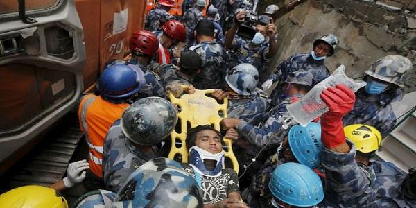 Séisme au Népal : le bilan s'alourdit