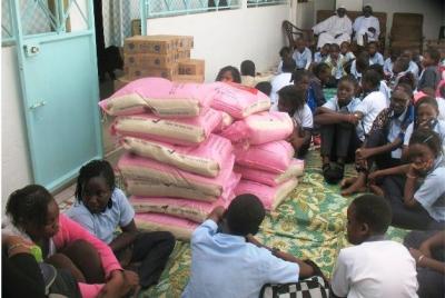 Les élèves de la Cathédrale et Sainte Jeanne d'Arc mobilisent 600.000 francs et des vivres pour Caritas Dakar et les œuvres sociales d'un imam