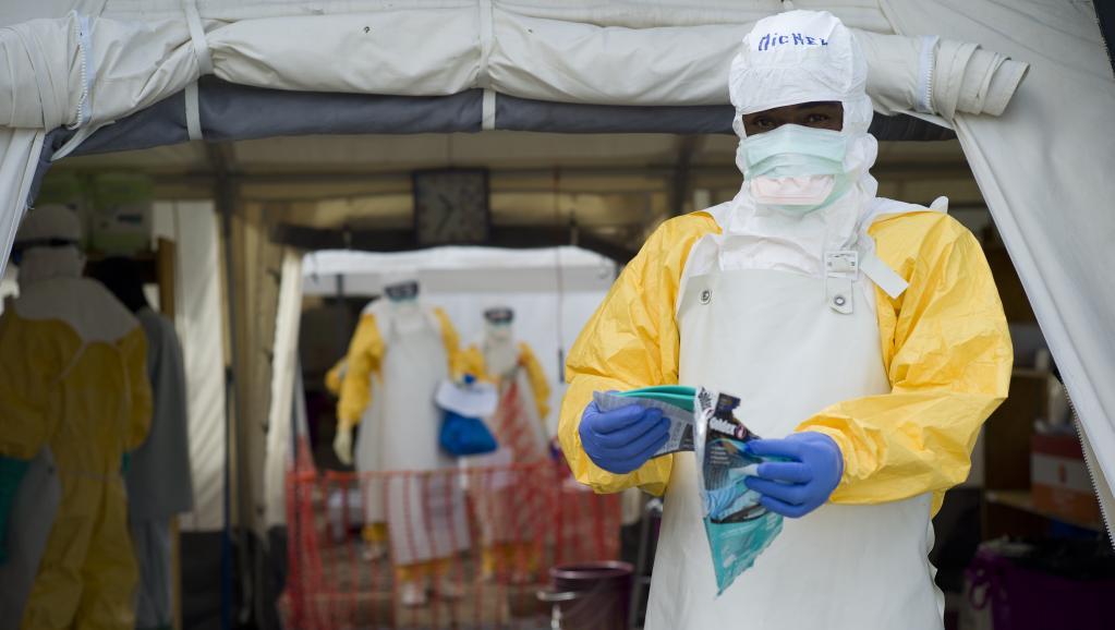 Un centre de soins contre le virus Ebola en Guinée. AFP PHOTO KENZO TRIBOUILLARD