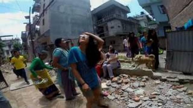 Une réplique de magnitude 5,6 s'est produite quelques minutes après cette secousse.