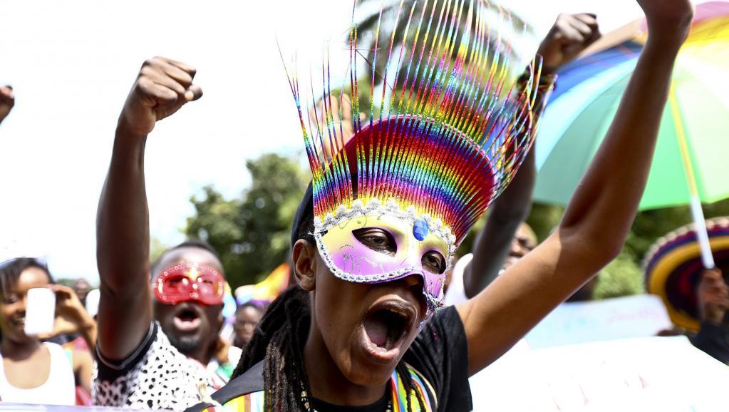 Des militants ougandais de défense des droits des homosexuels en Ouganda. REUTERS/Edward Echwalu