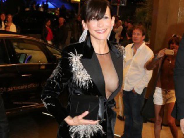Festival de Cannes 2015 : Après sa culotte, Sophie Marceau montre son téton