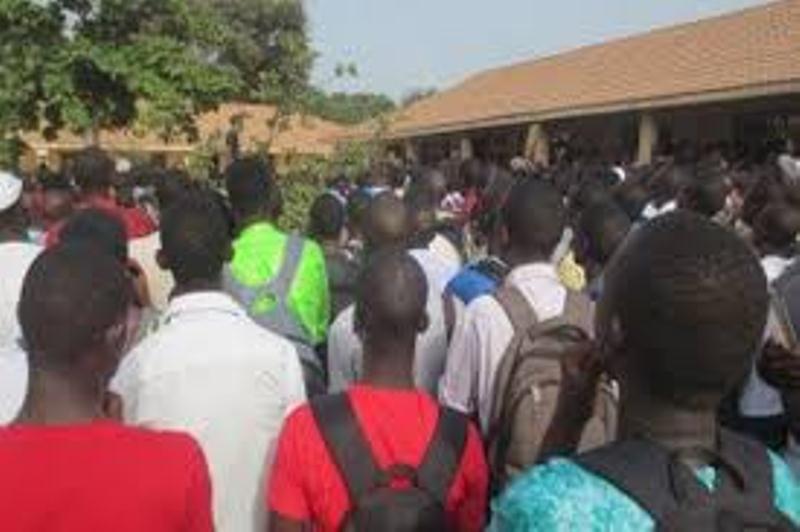 Dernière minute Marche vers le Palais de la République: 4 étudiants arrêtés