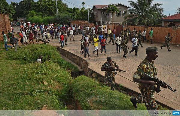 Burundi: un manifestant tué par balle par la police