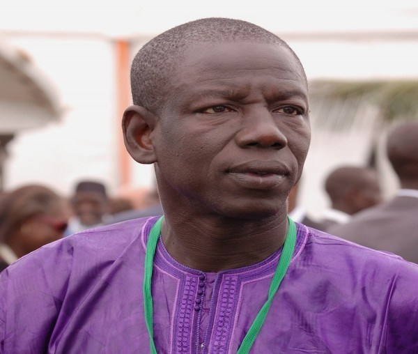 Abdoulaye Wilane pointe son arme sur un reporter (Rfm)