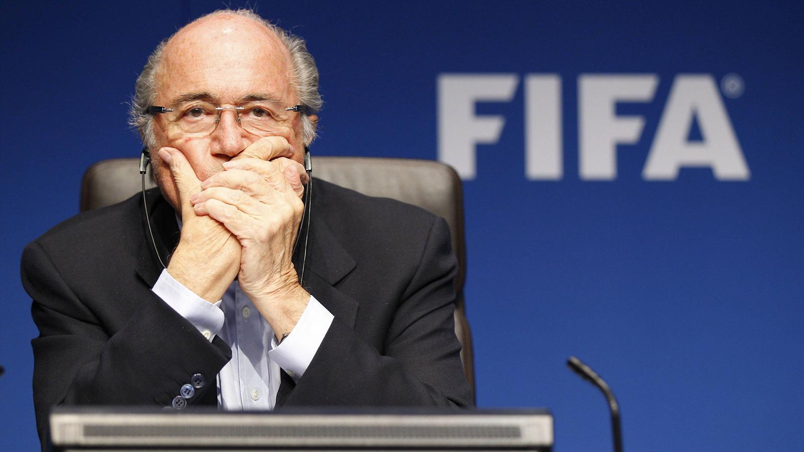 URGENT - FIFA : Sepp Blatter annonce son départ !