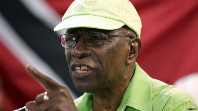 M. Warner, figure-clé dans le scandale qui continue de se ramifier, a déclaré qu'il a remis des documents aux juges, détaillant les liens entre lui-même, la Fifa, le mode de financement de la Fifa et les élections de 2010 à Trinité et Tobago.