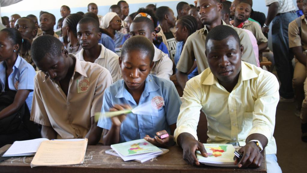 Des lycéens congolais à Brazzaville. AFP PHOTO / GUY-GERVAIS KITINA