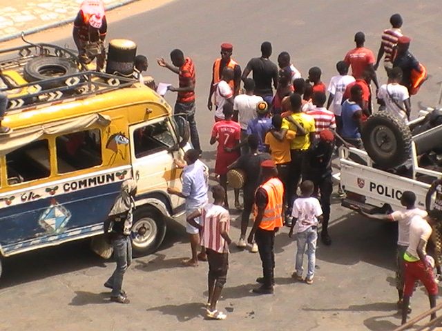 Lutte Siteu vs Zarko: les supporters affluent vers Demba Diop