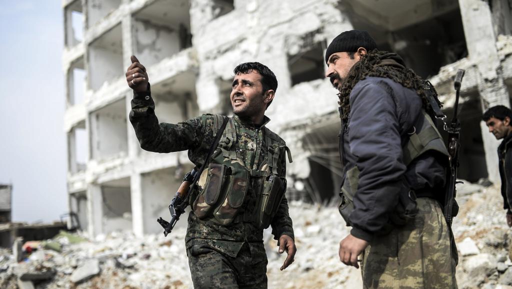 Les Kurdes ont réussi à faire la jonction entre les cantons de Kobane et Cizir, coupant les communications régionales du groupe EI