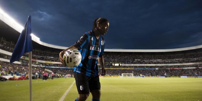 """Ronaldinho et Queretaro """"prennent des chemins différents"""""""