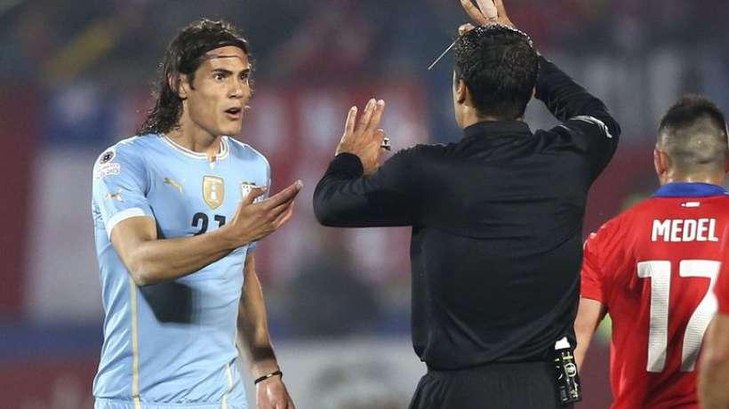 Copa America : le Chili passe, Cavani voit rouge