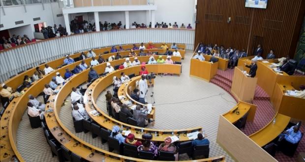 Assemblée Nationale : clôture de la session ordinaire unique 2014-2015