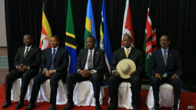 La Communauté est-africaine (EAC) est composée du Burundi, du Rwanda, de l'Ouganda, de la Tanzanie et du Kenya.